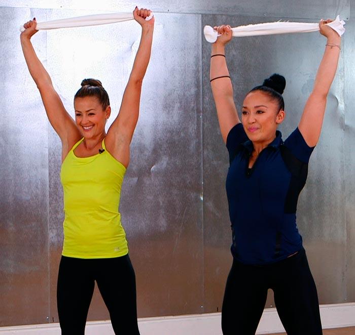 chicas-ejercicio-toalla