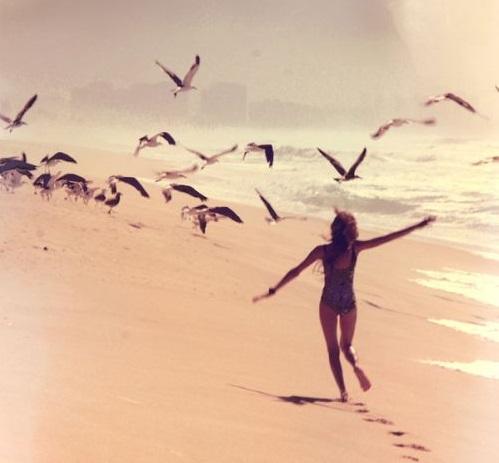 Correr en la playa con la calor